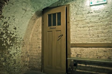 bunker-1569713_1280