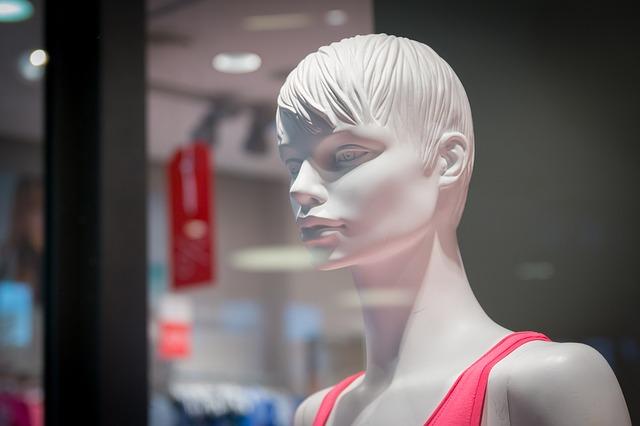 mannequin-906735_640