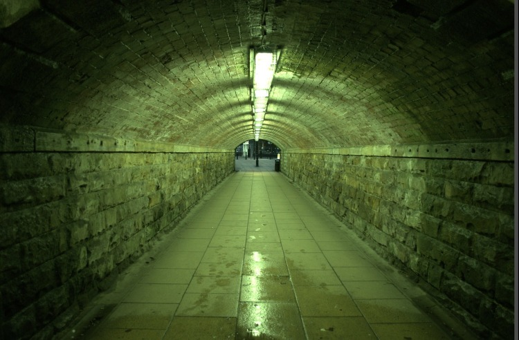 tunnel-22198_1280