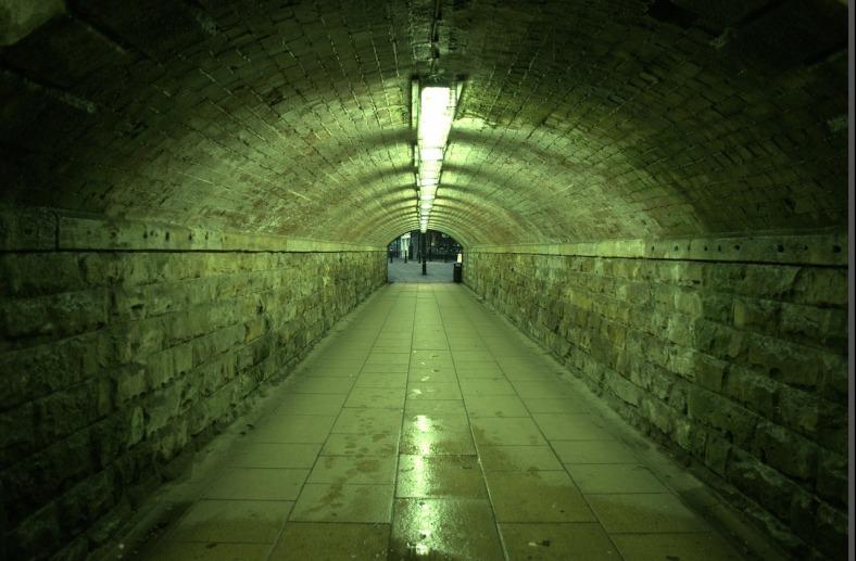 tunnel-22198_1280